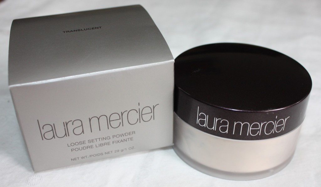 Laura-Mercier-Loose-Setting-Powder-002-1024x597